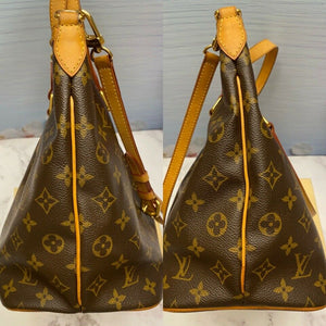 Louis Vuitton Palermo PM Shoulder Bag (SR5100)