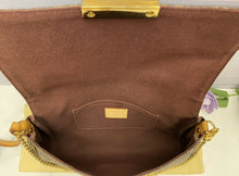 Load image into Gallery viewer, Louis Vuitton Favorite MM Monogram Clutch (DU0124)
