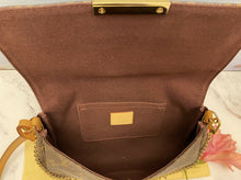 Load image into Gallery viewer, Louis Vuitton Favorite MM Monogram Clutch Purse (DU4125)