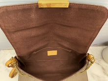 Load image into Gallery viewer, Louis Vuitton Favorite MM Monogram Clutch (SA2143)