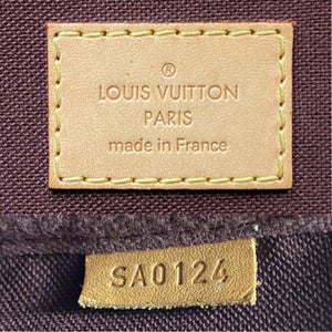 Louis Vuitton Favorite MM Monogram Clutch Purse (SA0124)