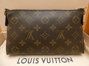 Louis Vuitton Pallas Noir Clutch Crossbody Bag