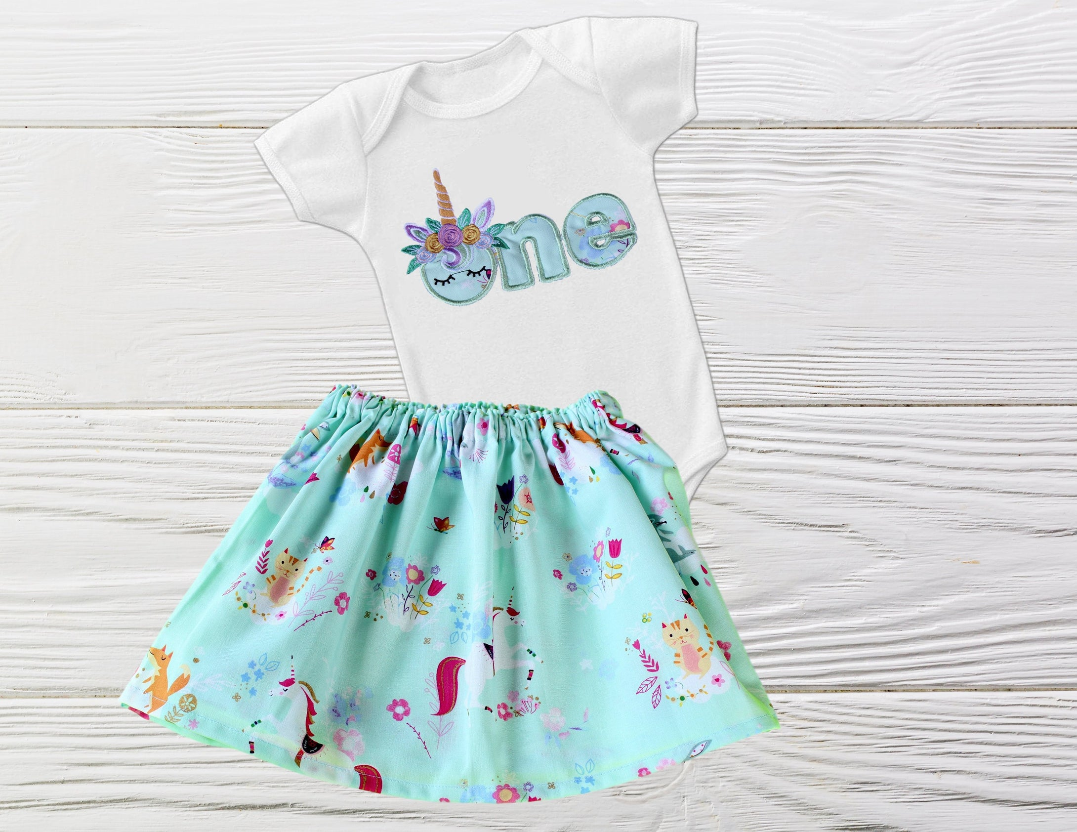 UNICORN FIRST BIRTHDAY. Baby First birthday outfit. Girls Unicorn outfit. First Birthday unicorn outfit