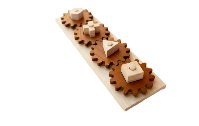 QToys Wooden Gear Puzzle PLay Set