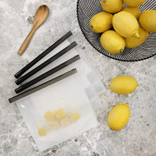 Load image into Gallery viewer, 4 silicone food storage bags for lemons