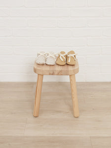 Quincy Mae - Organic Baby Booties - Honey