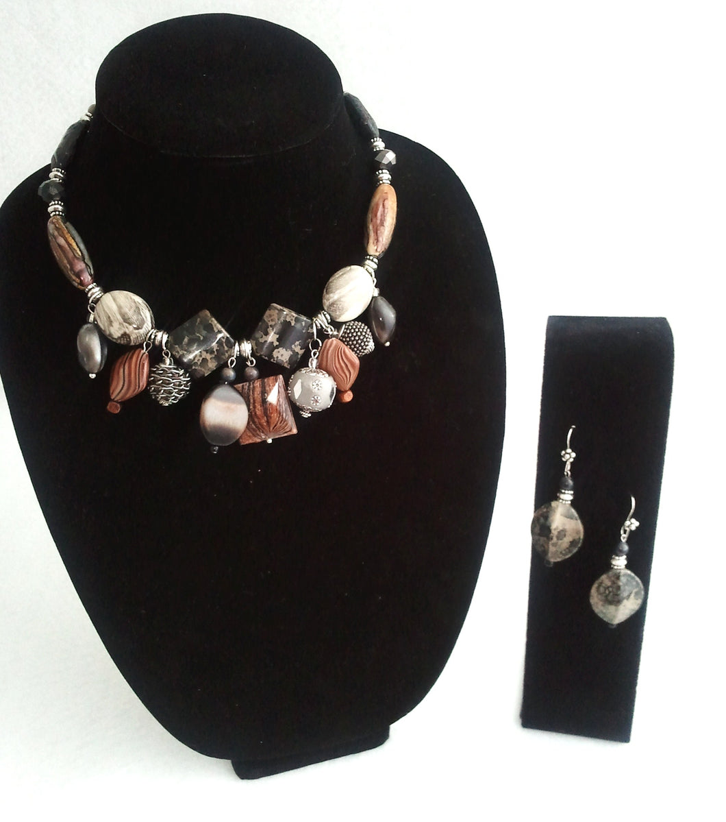 Latte Chunky Beaded Necklace Set