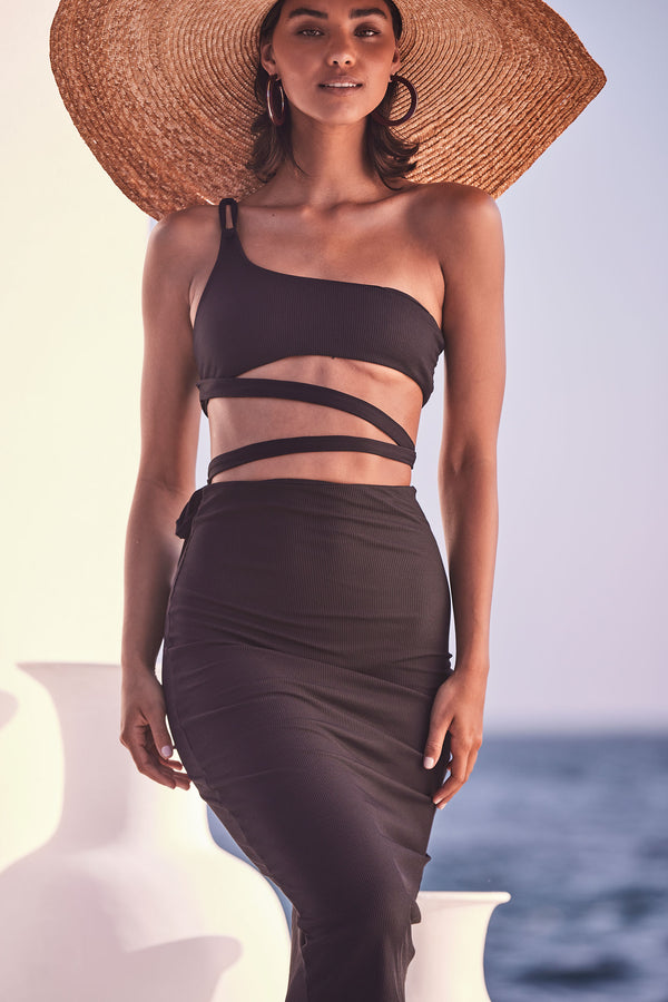 Nour Classic Black Set (Top & Skirt)
