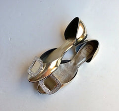 Roger Vivier Chips Strass gold buckle shoes swarovski pumps