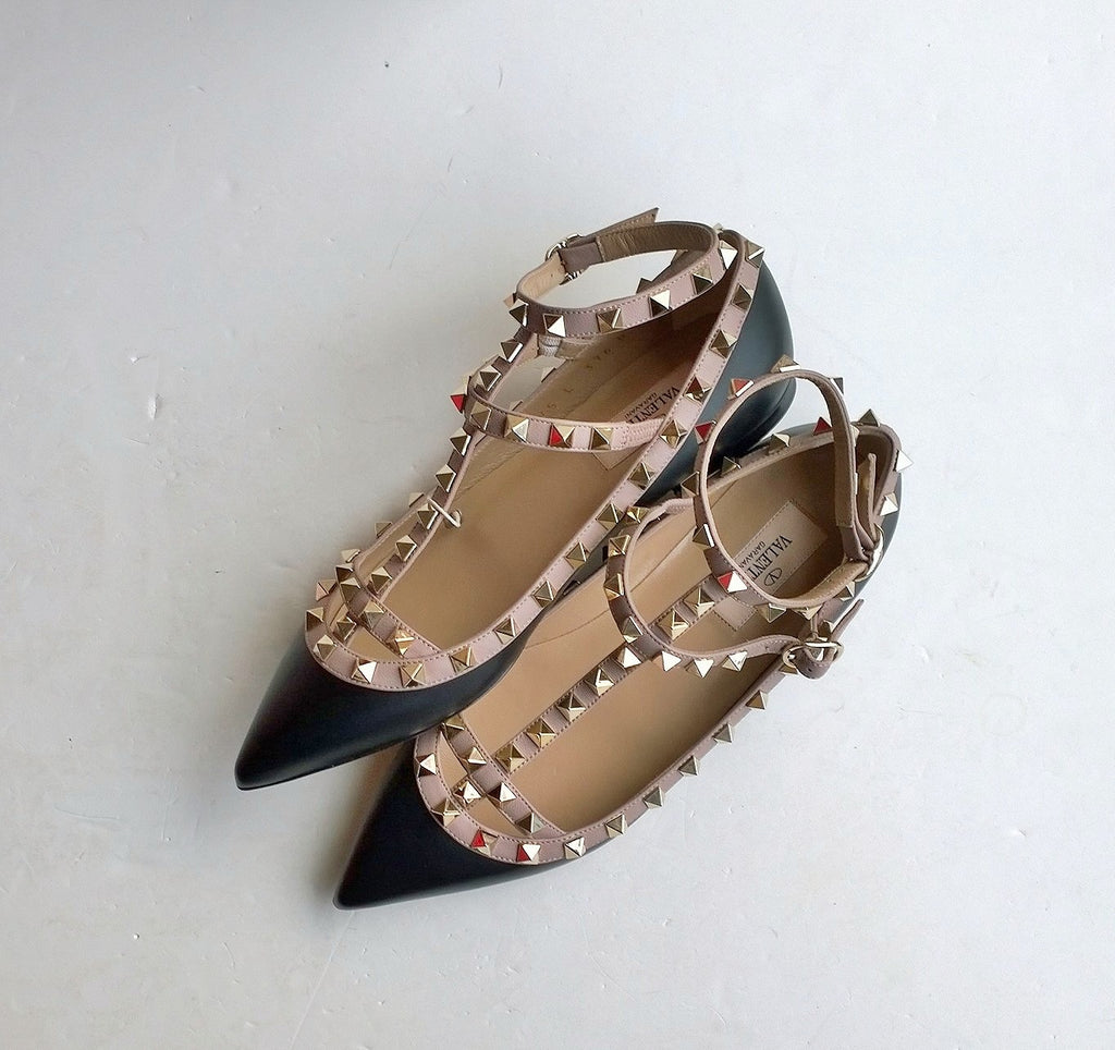34845bc334 Valentino Garavani Rockstud Flats in Black Leather discount shoes – AvaMaria