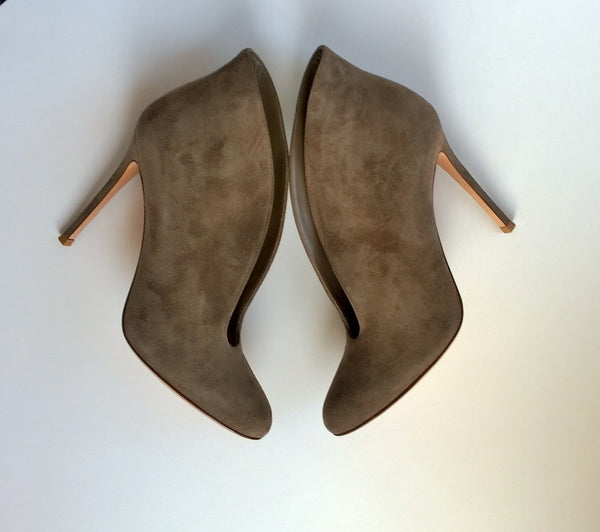 Gianvito Rossi Taupe Suede Ankle Boots V Vamp 105 Brown Bootie