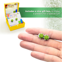 Load image into Gallery viewer, Plastic Flower Earring Studs White Green