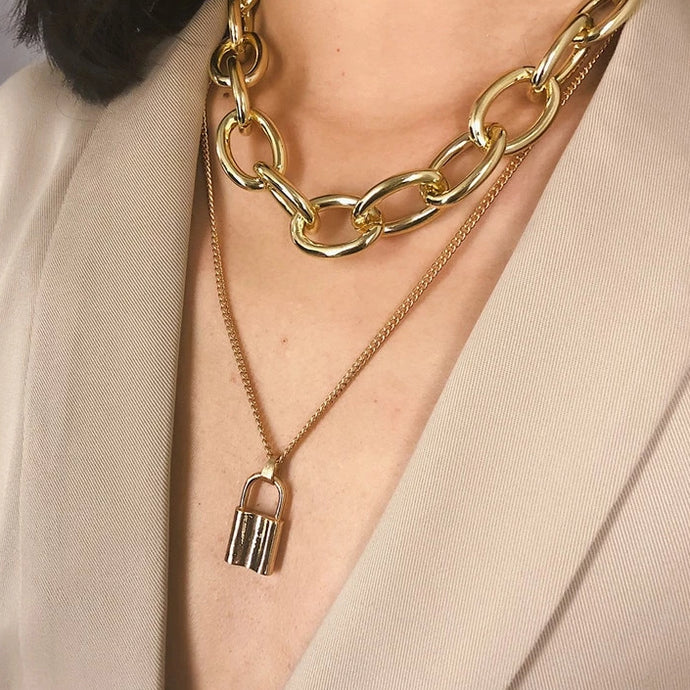Lock & Chain Necklace Gold