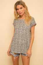 Load image into Gallery viewer, Landin Leopard Tee - Sublime Clothing Boutique