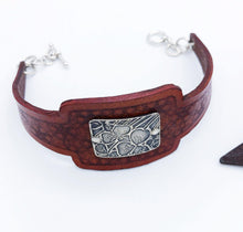 Load image into Gallery viewer, Leather Flower Bracelet - Sublime Clothing Boutique