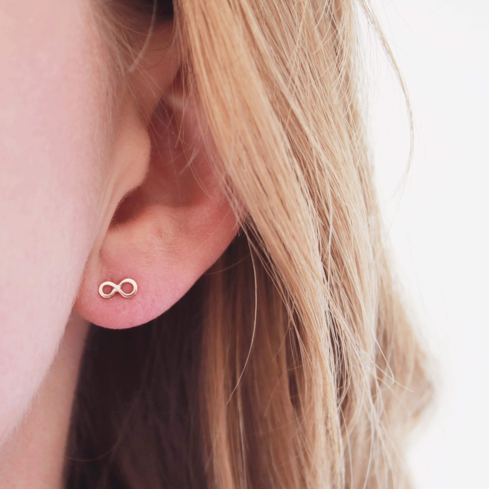 tiny gold earrings
