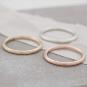 Gold plain round band rings