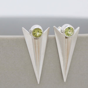 Deco Triangle Spike Stud Earrings With Peridot