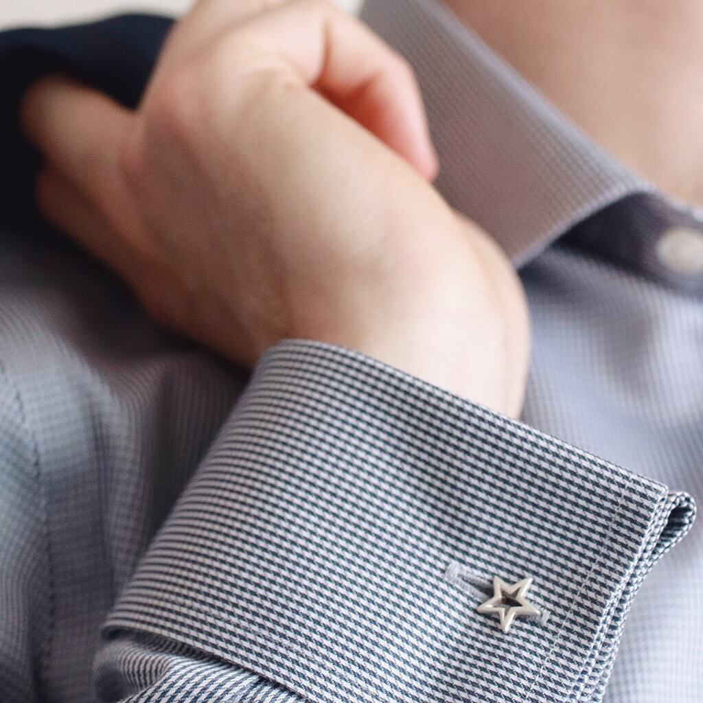 Simple star cufflinks