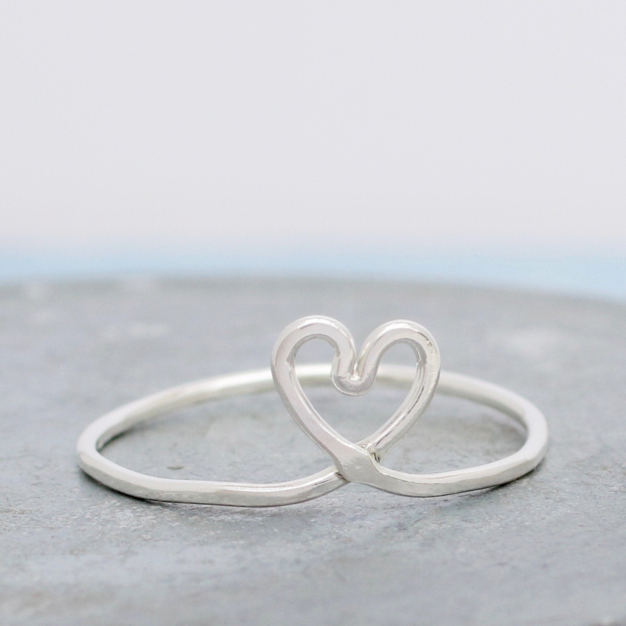 simple silver heart ring