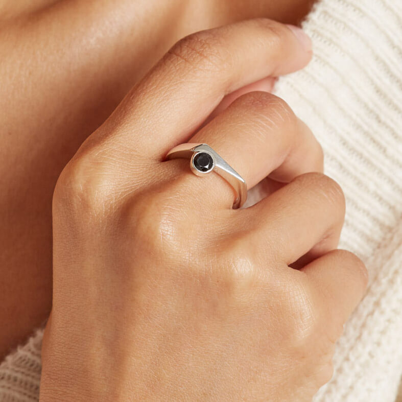 Chunky asymmetrical ring with Spinel