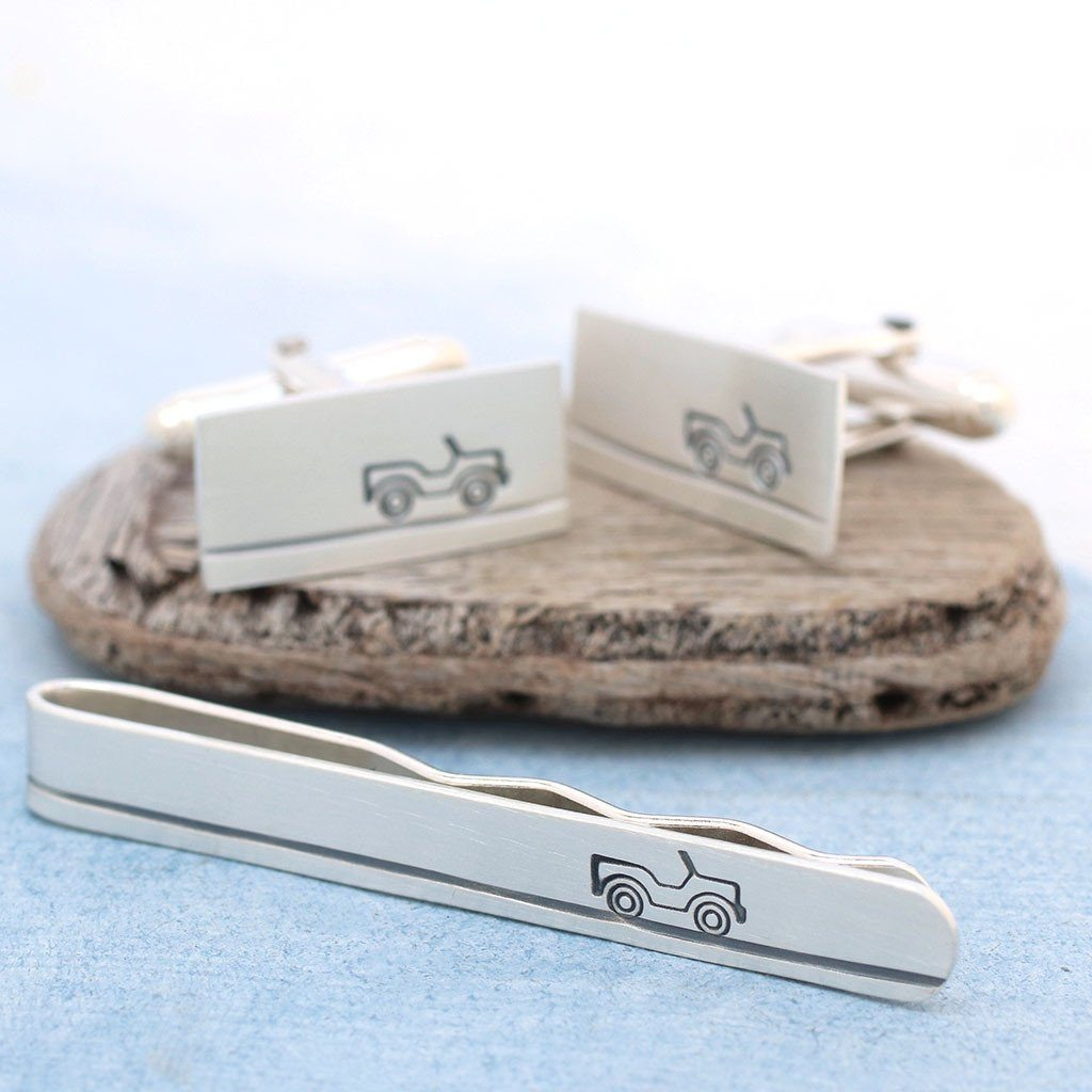 car cufflinks and tie clip set