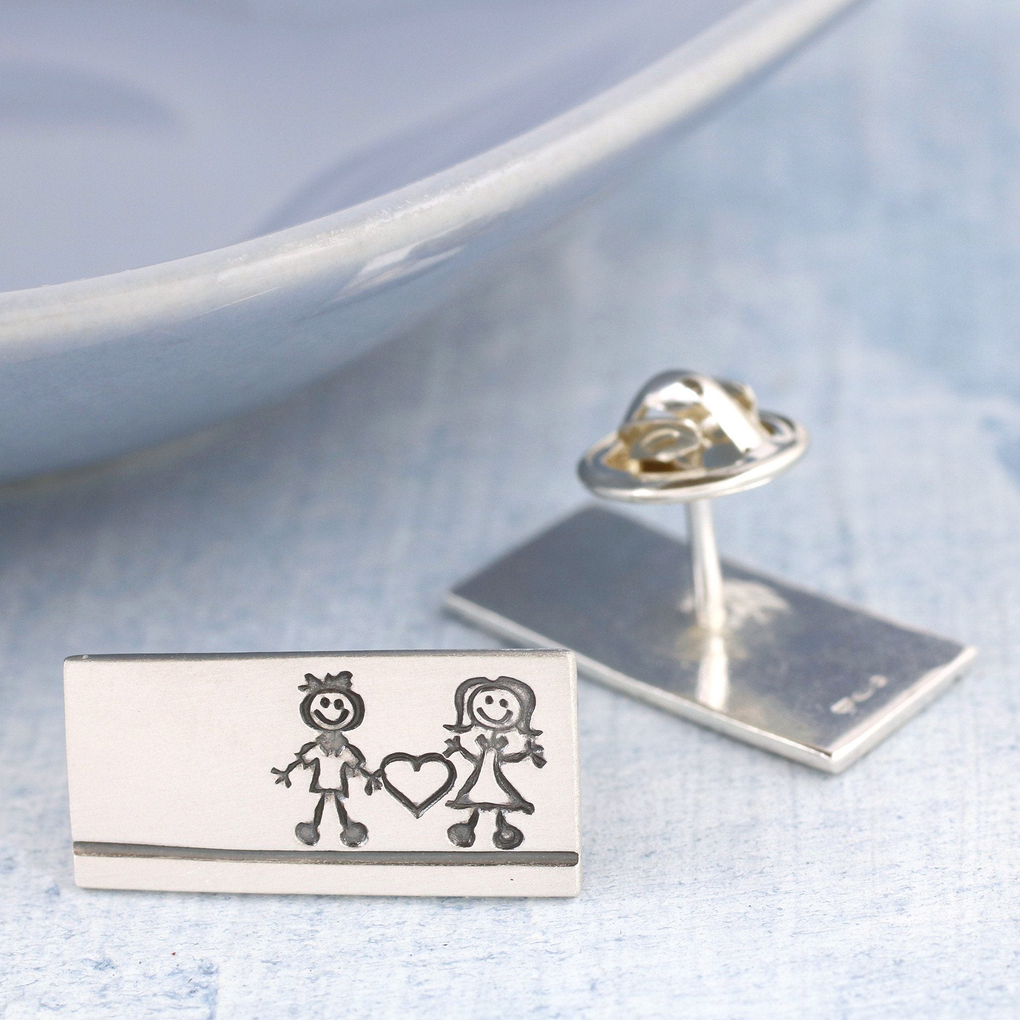 Valentine's Day pin badge