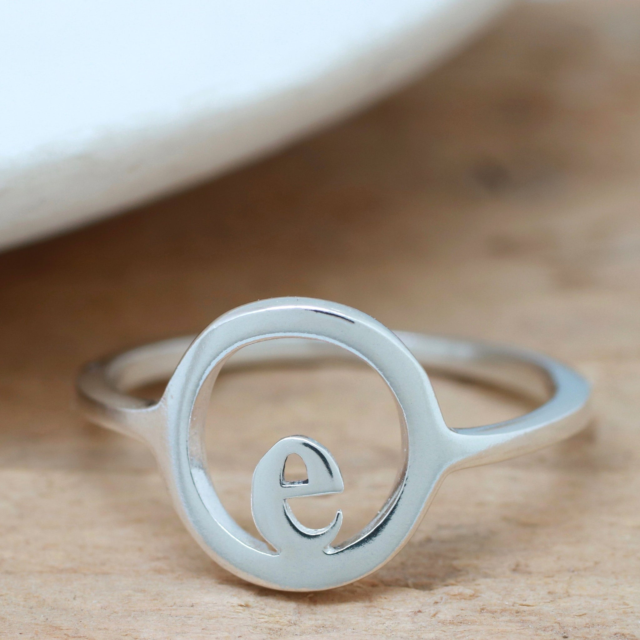 custome signet ring