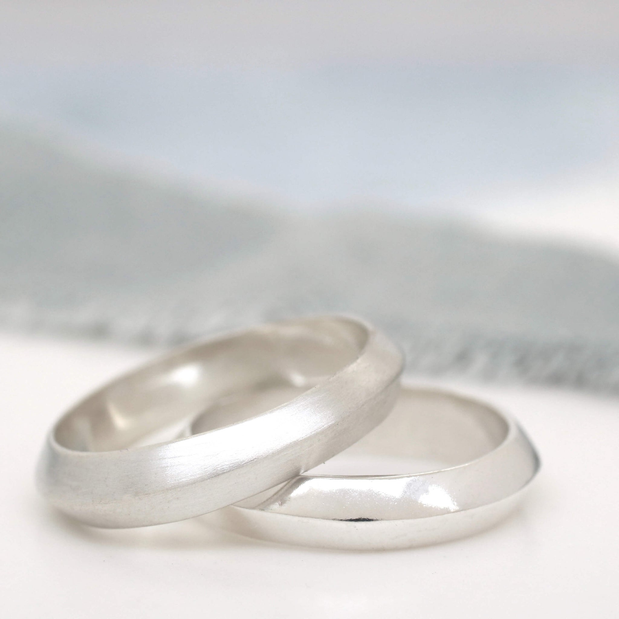 minimalist wedding band