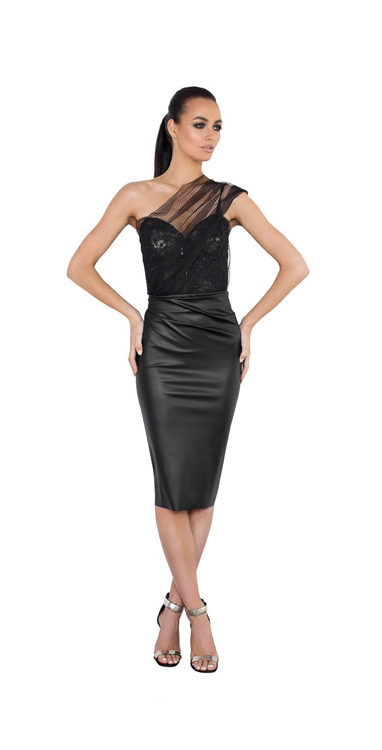 ONE SHOULDER TOOL PLEATHER RUFFLE BACK DRESS