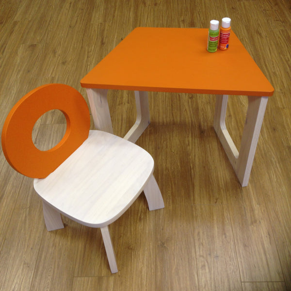 E-ko Tulip Chair and Desk Set