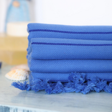 Load image into Gallery viewer, Turkish towels in navy color for beaches