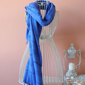 Thin scarf in navy color, made of Turkish cotton