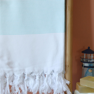 Turquoise Gallipoli Turkish towel made of cotton with hand-tied tassels