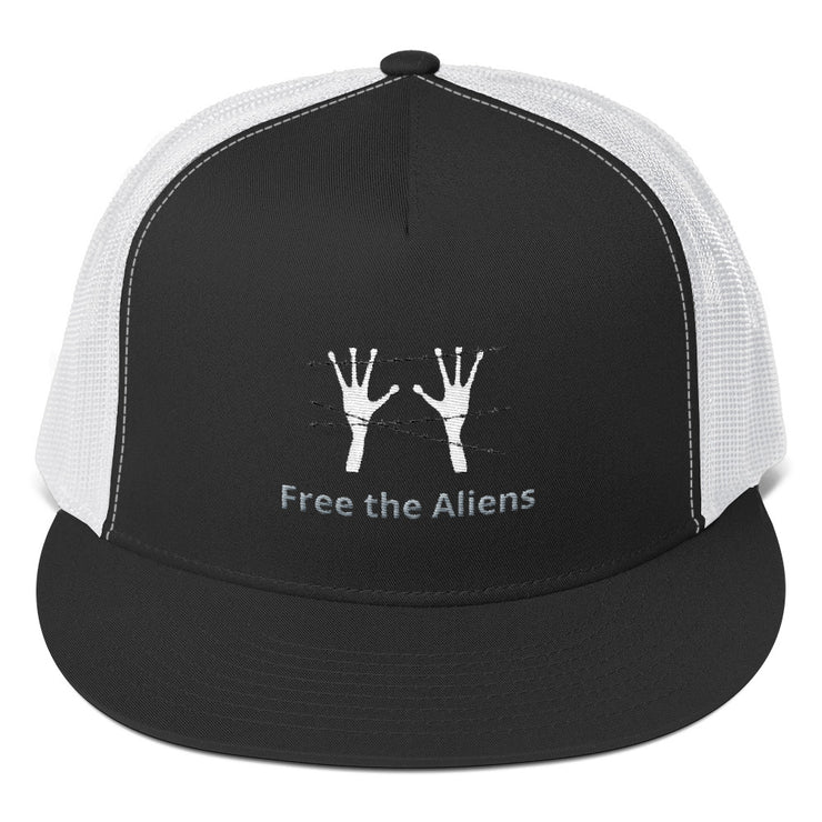 "Alien Wear Classic Cap - ""Free the Aliens"""