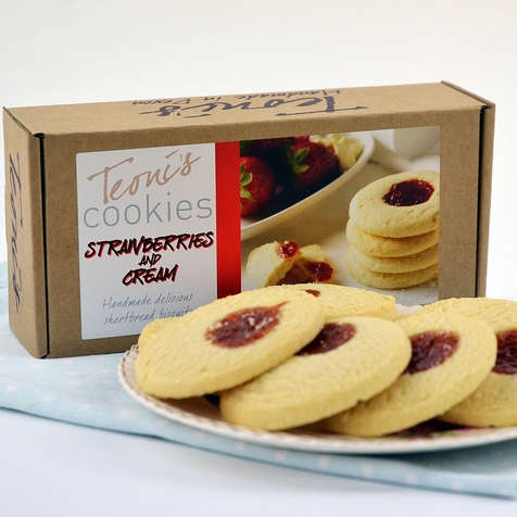 Strawberries & Cream Shortbread