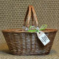 Traditional Wicker Shopping Basket (max 14 items)