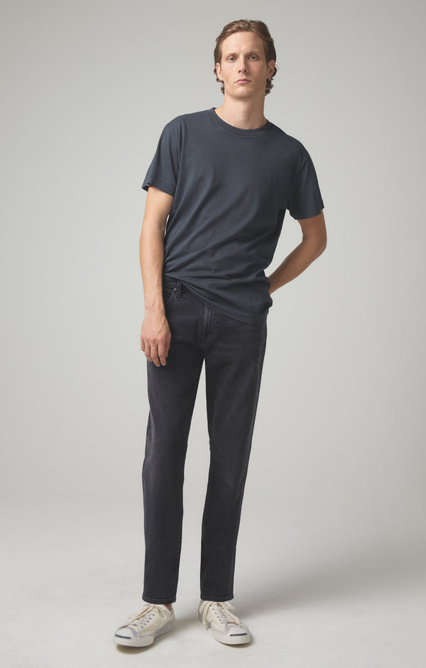 adler tapered classic black beach front