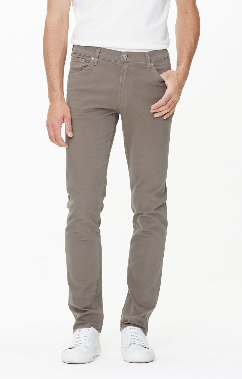 bowery standard slim fit lead perform front