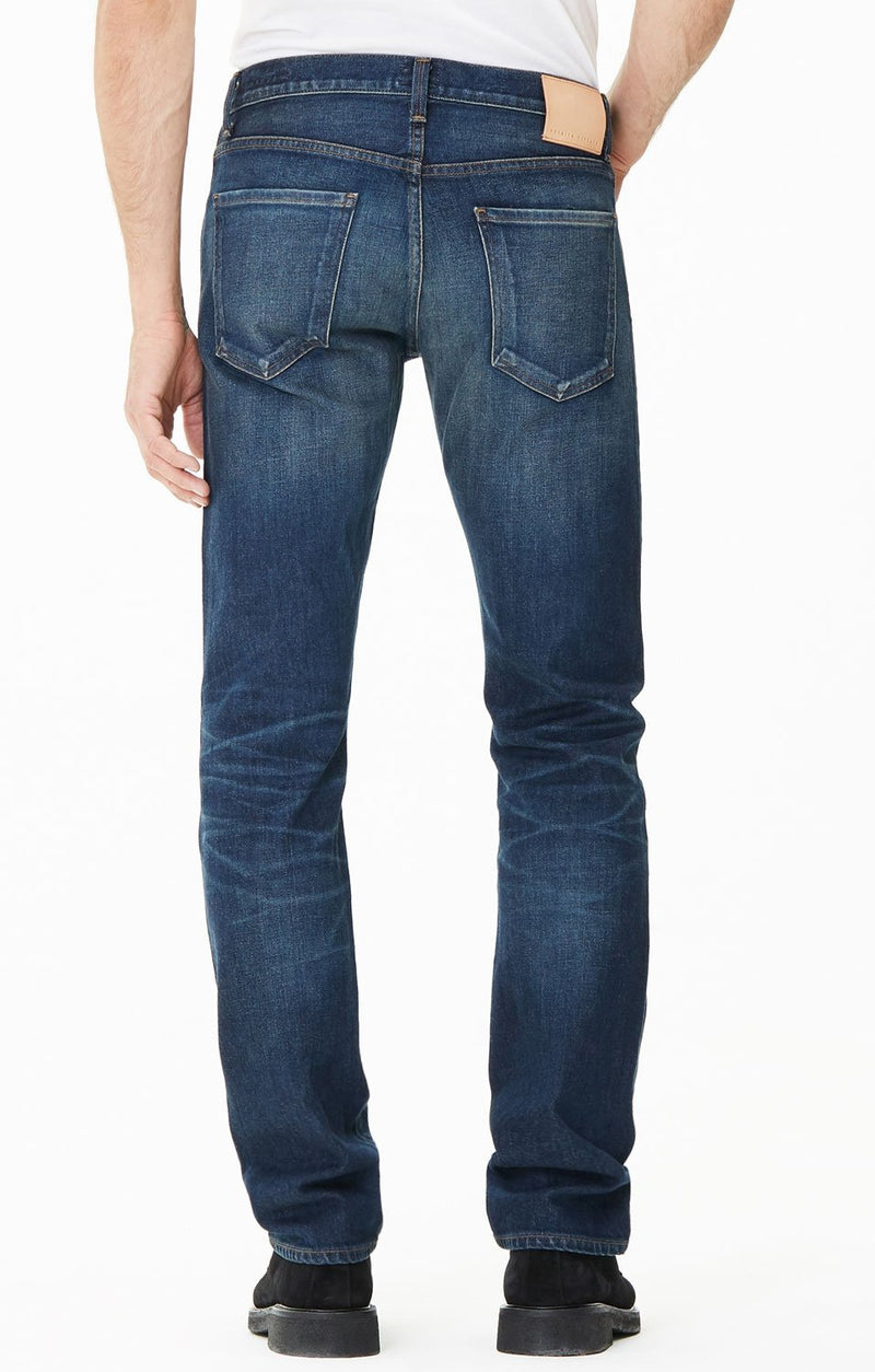 core slim straight fit hesperia detail