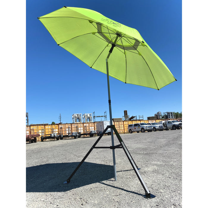 UB 250 FR Umbrella in Green Tilted on the jobsite