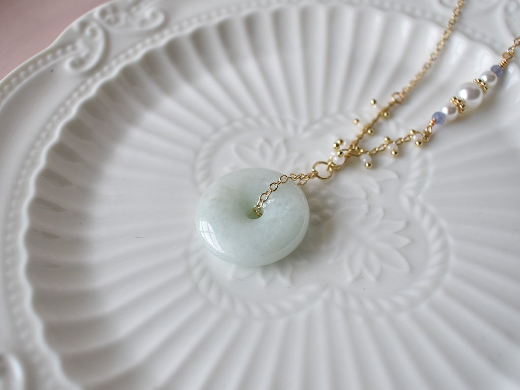 Necklace: Jade Donut 0.7