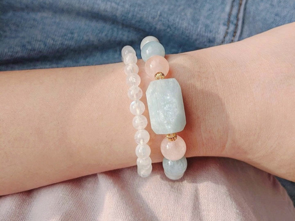 Bracelet: Moonstone stacking bracelet (1 piece)