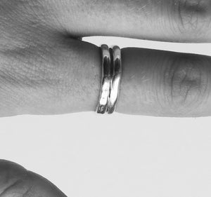 AURA STUDIOS LIQUID SILVER THIN RING