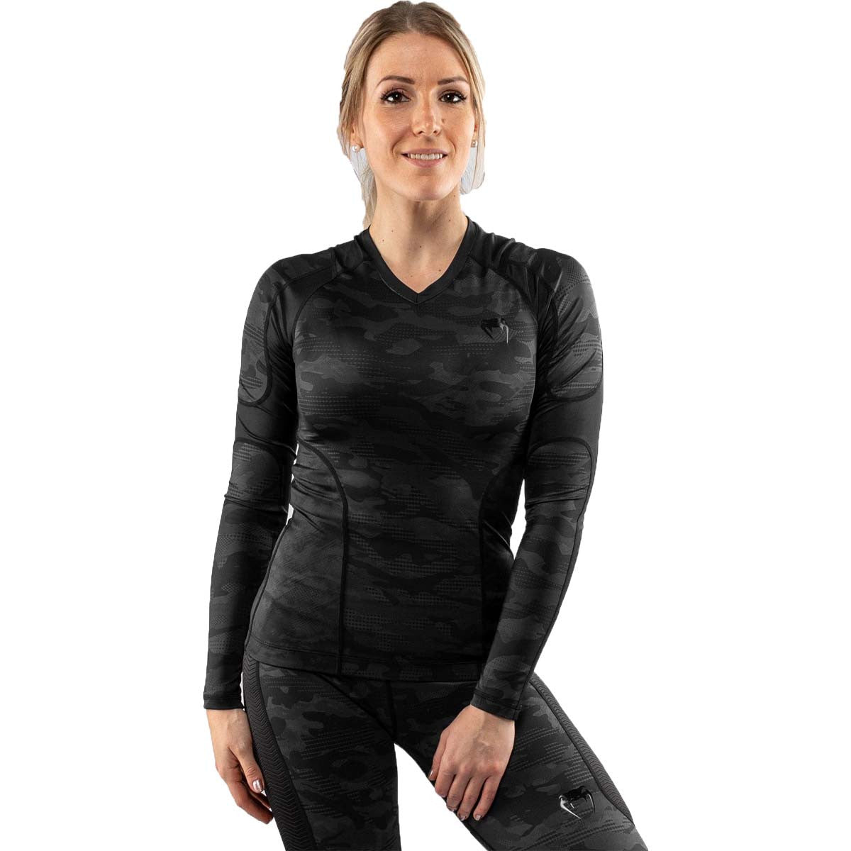 Venum Defender Womens Long Sleeve Rash Guard / |  | Fight Co