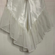 Load image into Gallery viewer, 1970s DENTELLE satin & lace boudoir dress