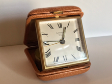 Load image into Gallery viewer, 1950s vintage LOOPING travel alarm clock