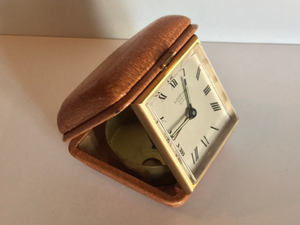 1950s vintage LOOPING travel alarm clock