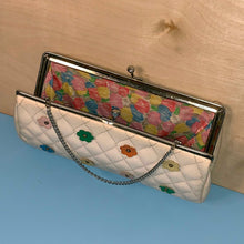 Load image into Gallery viewer, colorful daisies quilted vinyl kiss lock purse