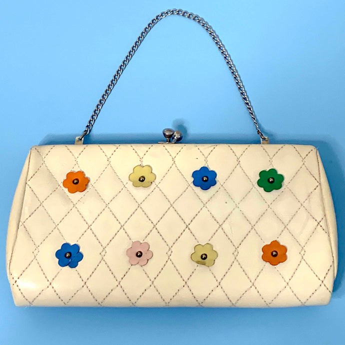 colorful daisies quilted vinyl kiss lock purse